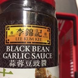 Lee kum kee black been garlic sauce 368g